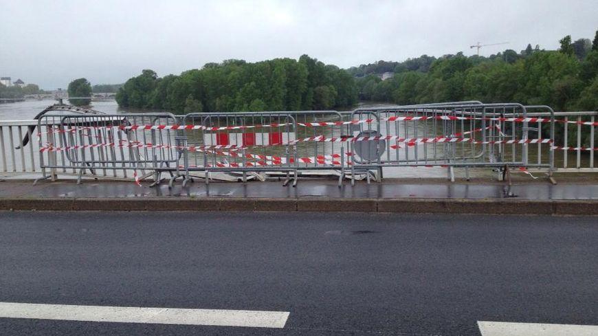 Le Pont Mirabeau à Tours