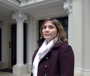 """Mathilde Gautier, auteure de """"Entre commerce et culture : les librairies boutiques de musées d'art en Europe"""""""