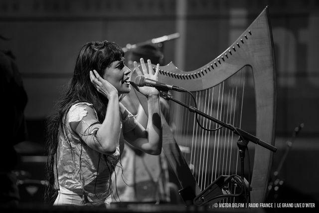 Cocorosie avec Sierra Casady à la harpe et au chant
