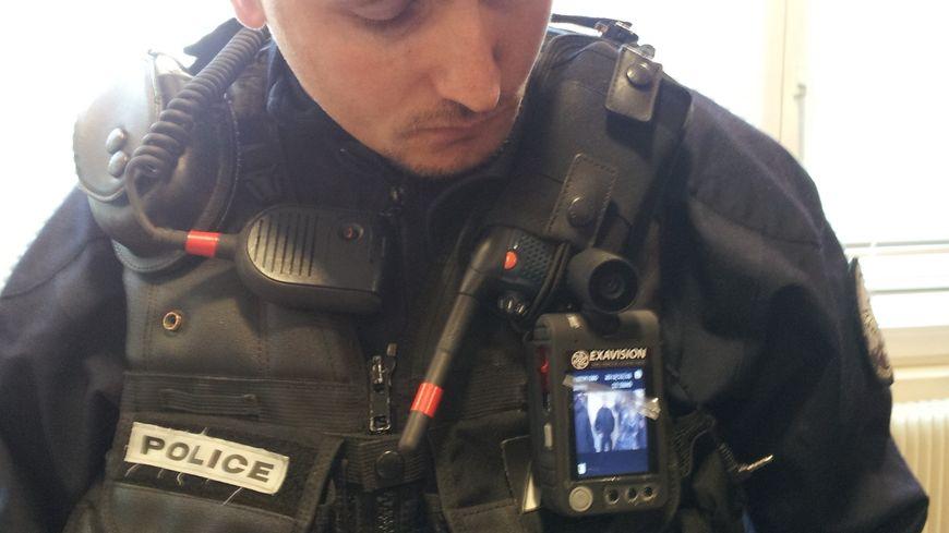 Caméras piétons police