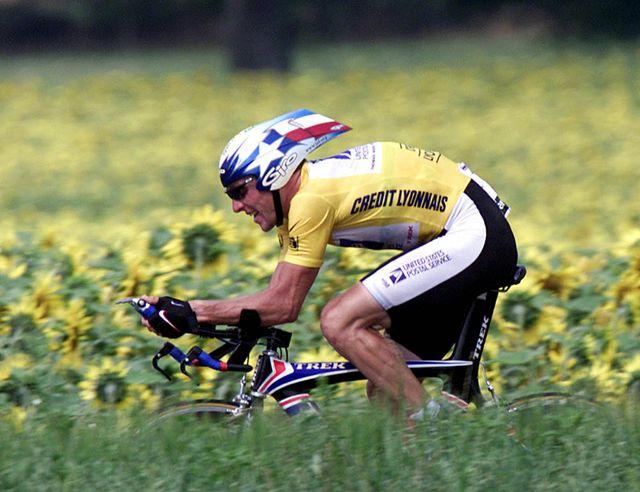 Lance Armstrong lors du contre la montre Montlucon - Saint-Amand-Montrond en 2001
