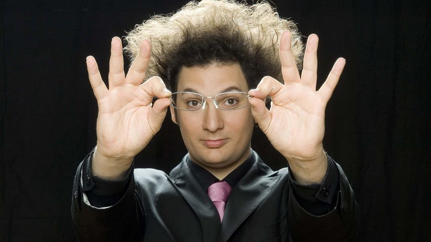 Eric Antoine, humoriste prestidigitateur