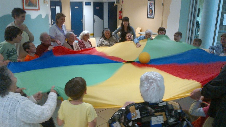 Jeu intergénérationnel enfants/retraités Peyrestortes