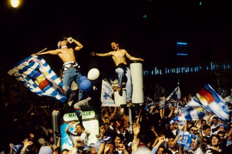 OM 1993 - Les Marseillais célèbrent la victoire sur le Vieux-Port