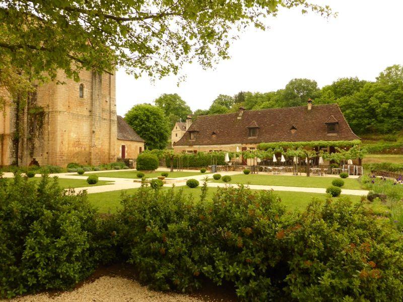 Le joli cadre de Chez Julien - Paunat (24)