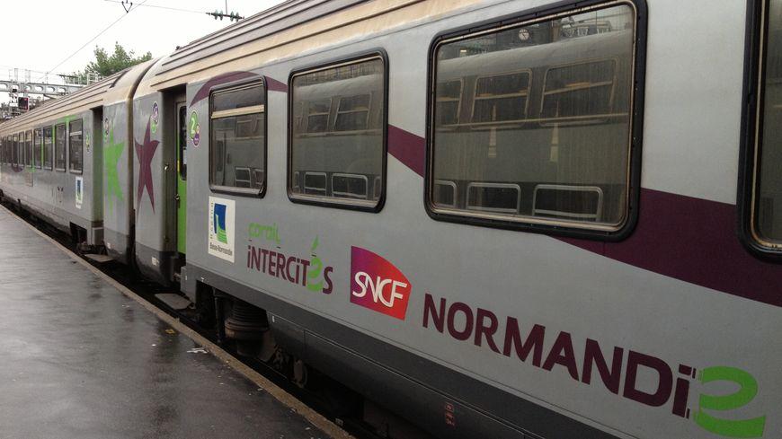 Un train Intercités Basse-Normandie