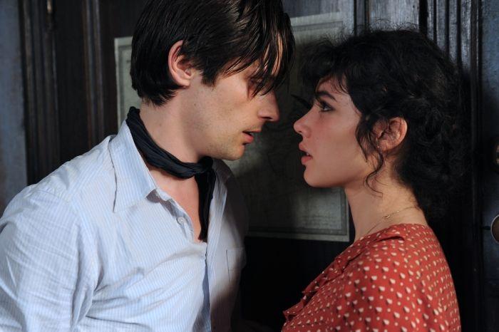 Raphaël Personnaz et Victoire Bélézy sont Marius et Fanny
