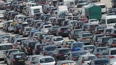 Embouteillages sur la route des vacances