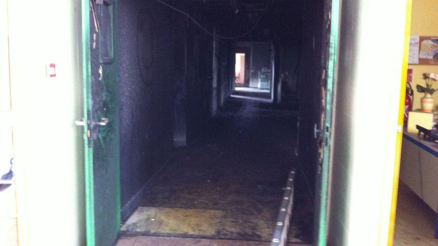 Le couloir brûlé du collège Jean Moulin de Coulounieix