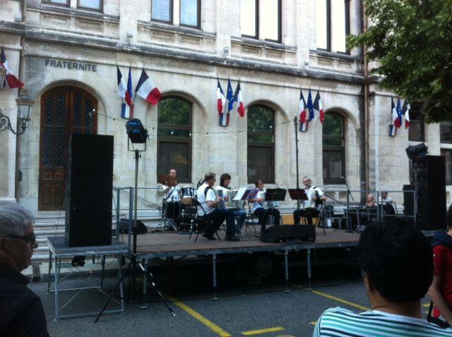 Ambiance accordéon à la fête de la musique à Valence le 21 juin 2013