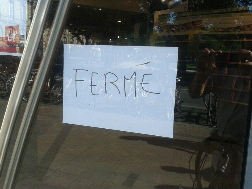 Le magasin a fermé hier après-midi