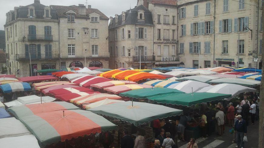 Le marché de la Clautre à Périgueux