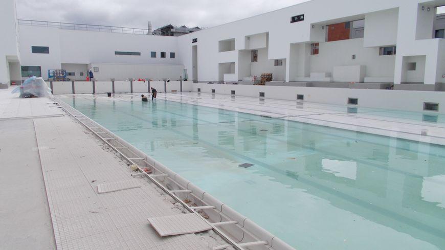 La piscine des bains des docks au havre bient t r ouverte for College jean de la mennais piscine