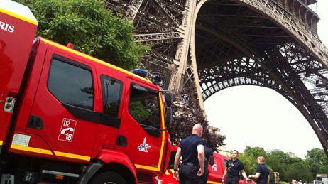 Pompiers et Tour Eiffel