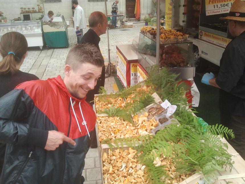 La folie des girolles sur le marché de Périgueux