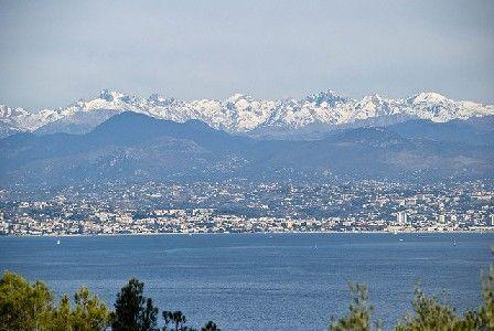 Regard sur les Alpes Maritimes