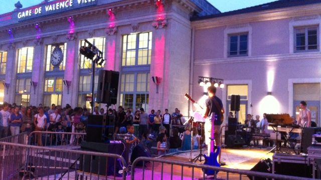Esplanade de la gare à la fête de la musique à Valence le 21 juin 2013