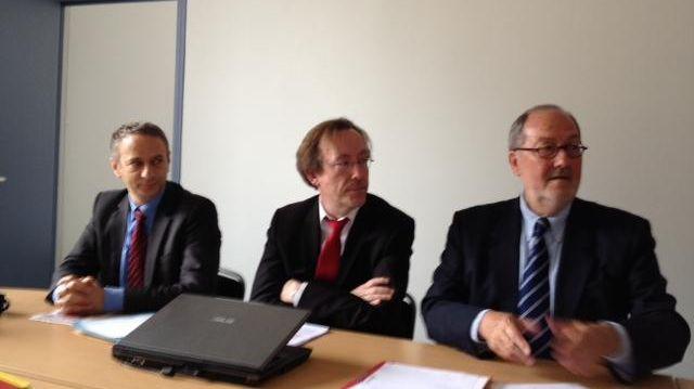 Les députés PS Laurent Baumel, Jean-Patrick Gille et le sénateur Jean-Jacques Filleul.