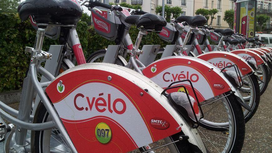C. Vélo : le vélib' sauce clermontoise.