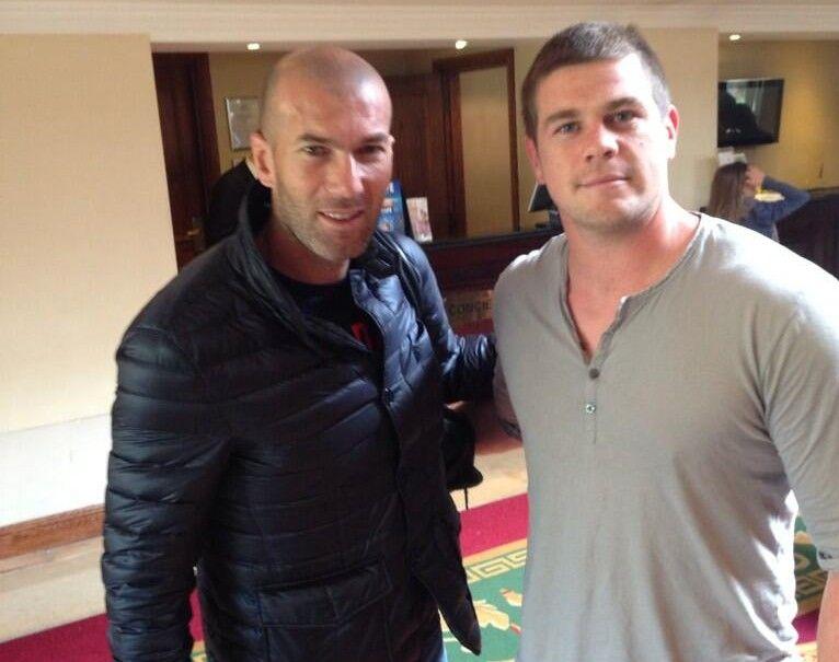 Rémi Casty, capitaine des Dragons Catalans, avec Zinédine Zidane