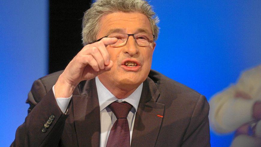 Raymond Couderc lors d'un débat télévisé en mars 2010