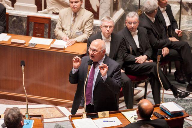 Questions au Gouvernement. Michel SAPIN, Ministre du Travail, de l Emploi, de la Formation professionnelle et du Dialogue social