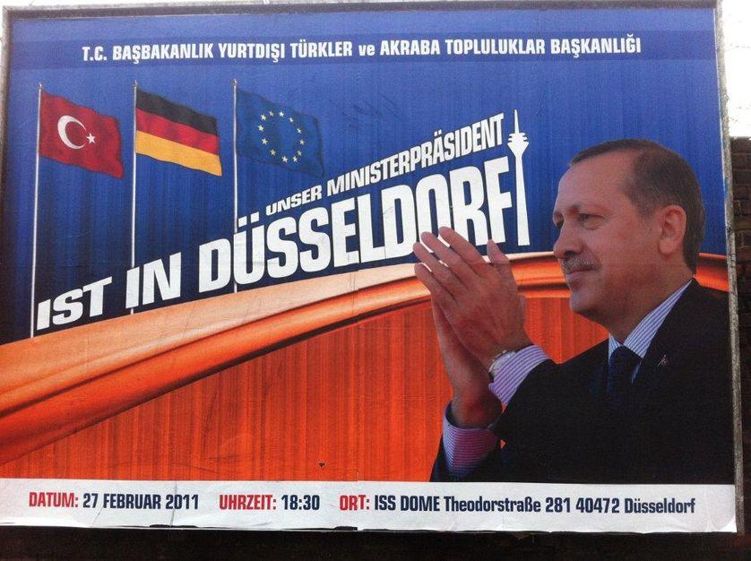 """""""Our Prime Minister is in Dusseldorf"""", Erdogan parle à son peuple vivant en Allemagne"""
