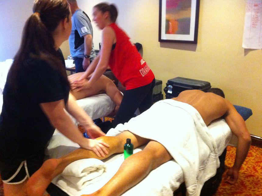 Frédéric Vaccari (Dragons Catalans) en pleine séance de massage