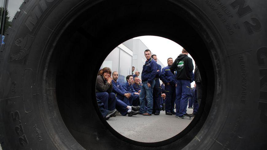 A l'usine Michelin de Joué-les-Tours, après l'annonce des suppressions de postes.