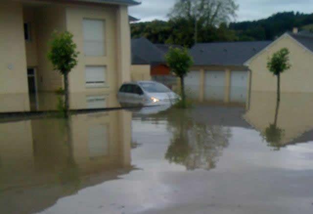 Inondations en Béarn : dans le quartier Claracq à Nay ce mercredi matin