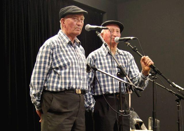 Les Frères Morvan au Fest Noz à l'Espace de l'Étang Bleu de Paimpont en 2010