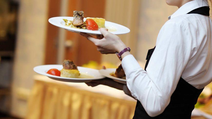 restauration restaurant alimentation assiette plat dessert régime serveur manger