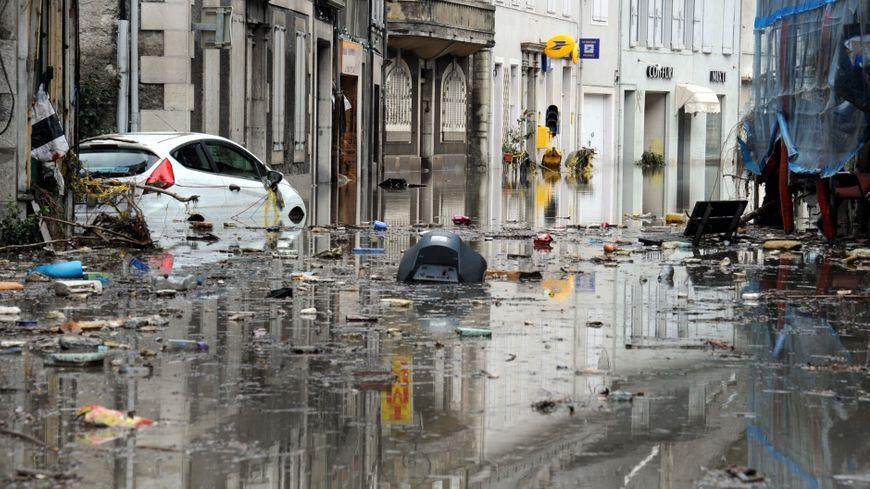 Manuel Valls a promis que l'état de catastrophe naturelle allait être reconnu avant la fin de la semaine prochaine