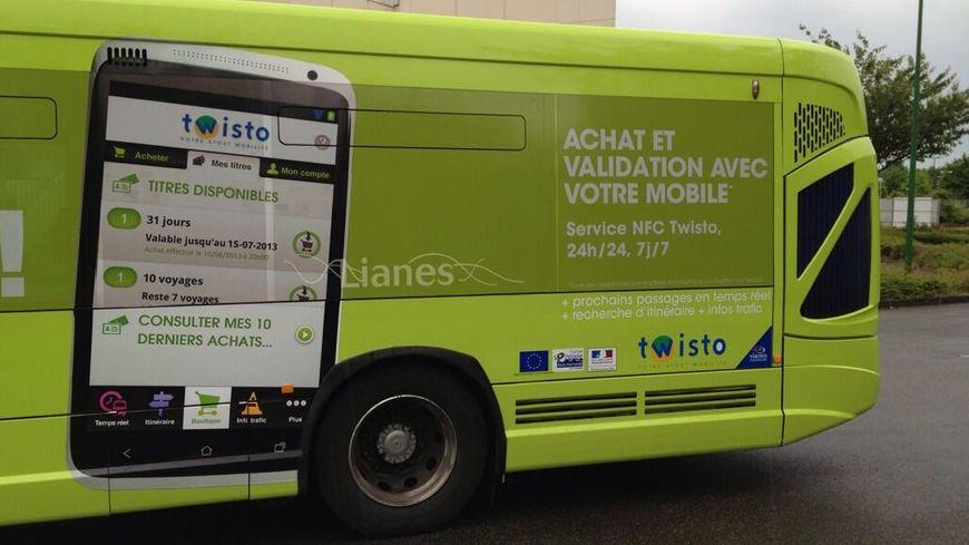 Le smartphone pour acheter son ticket de bus à Caen