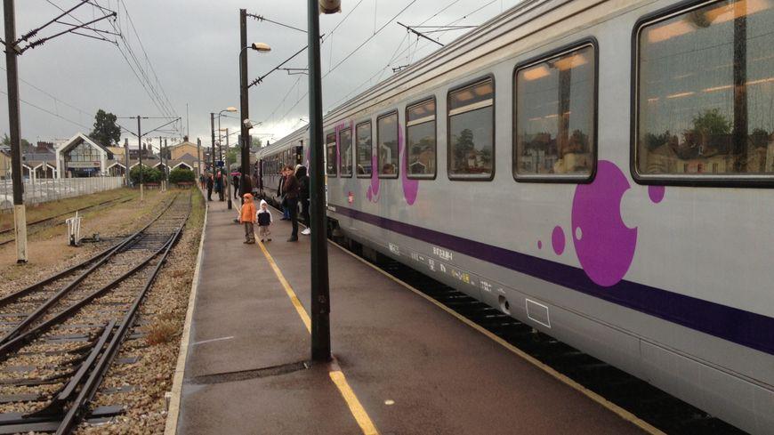 Train sur la ligne SNCF Paris Le Havre