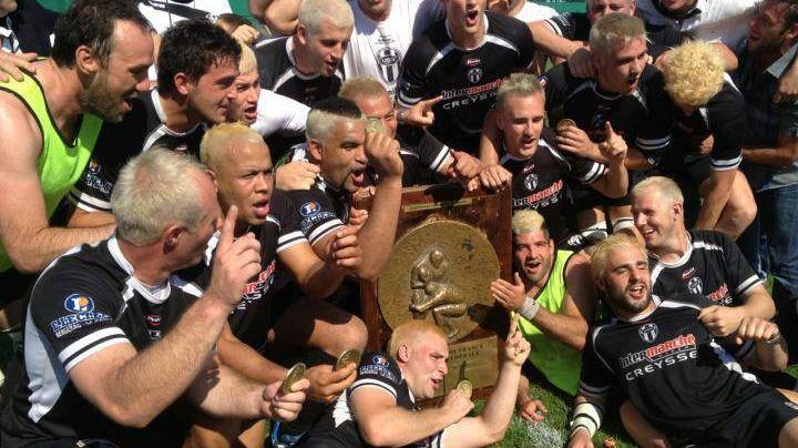 Les joueurs de l'US Bergerac fêtent la montée (archives)