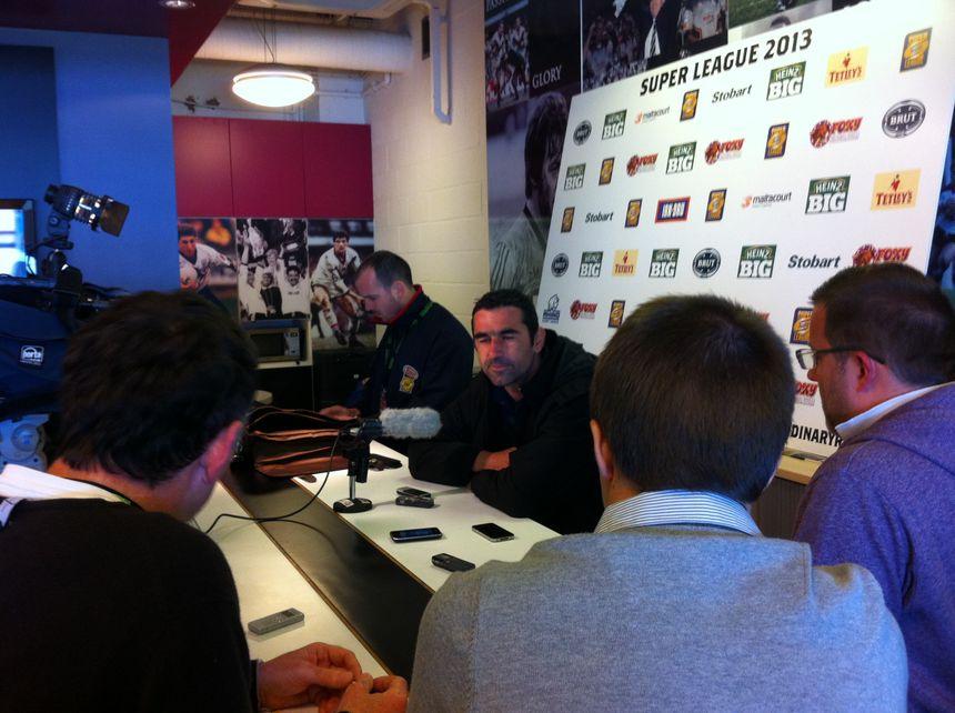 Laurent Frayssinous, entraîneur des Dragons Catalans en conférence de presse