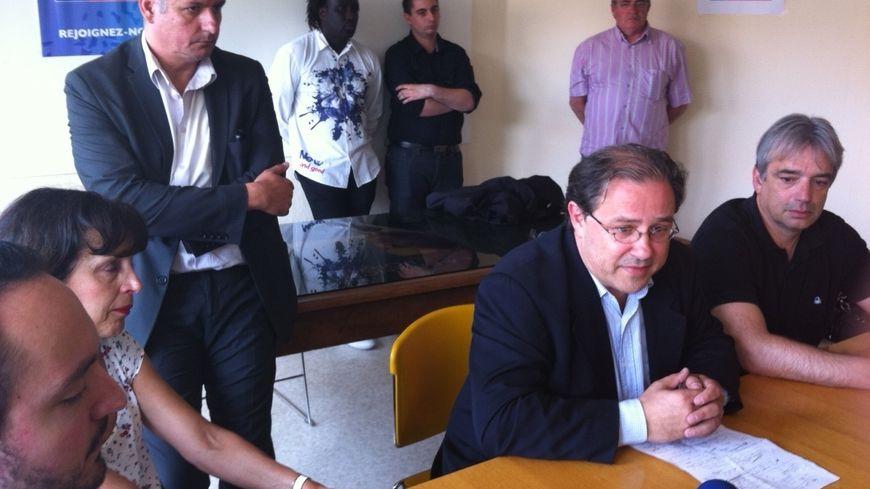 Le lendemain de la mort de Philippe Cornet : Jérôme Peyrat avec Elisabeth Dartencet à la permanence de l'UMP