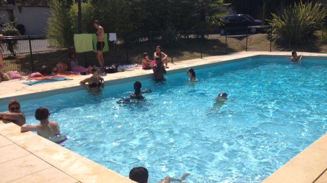 La piscine de la résidence les Jardins de Voltaire, quartier St Jean, à Bordeaux