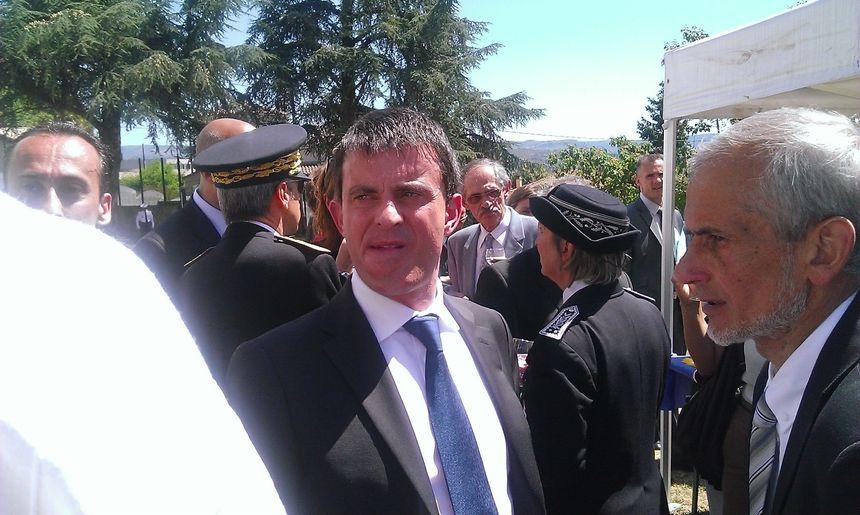 Manuel Valls en visite à Aubenas en Ardèche le 5 juillet 2013.