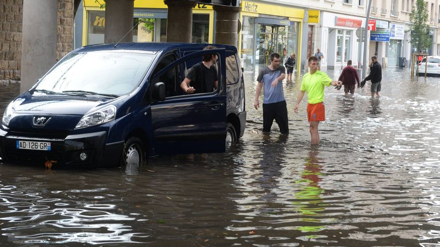 Violent orage à Caen. Le quartier de la gare