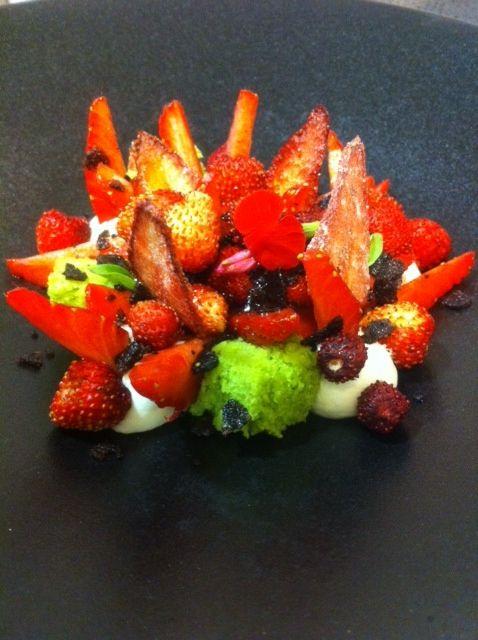 Gariguette et fraises des bois à l'huile d'olive des Baux de Provence