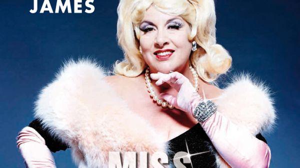 "Marianne James dans ""Miss Carpenter"""