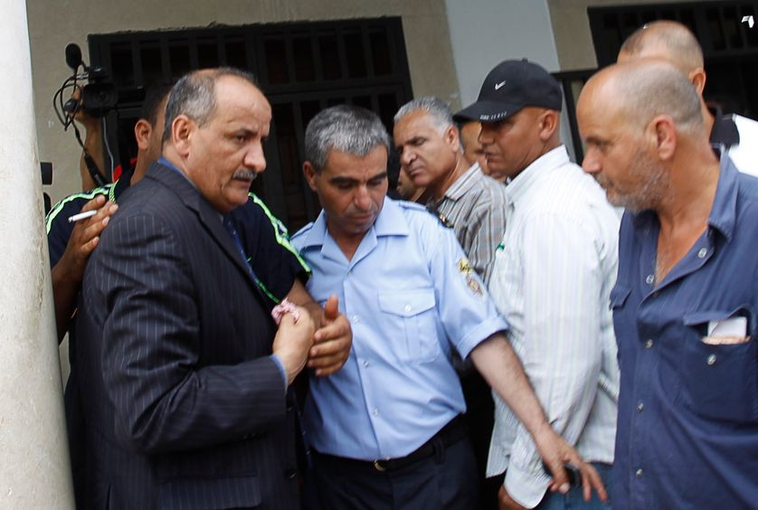 Mounir Sboui, le père d'Amina Femen tunisienne (à gauche)