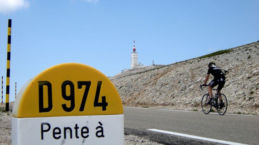 Mont Ventoux : A 1 km du sommet