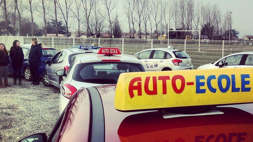 Voitures auto école en Drôme Ardèche - Archives