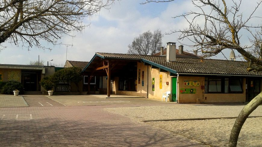Cour d'école en Gironde