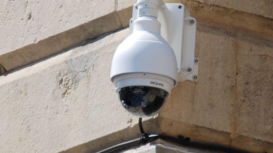 Une nouvelle caméra de vidéosurveillance n'était pas du goût des délinquants (illustration)