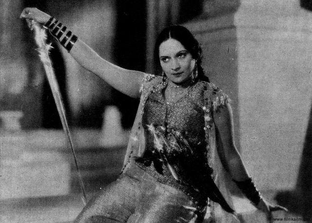 Durga Khote dans le film d'Amar Jyoti, 1936