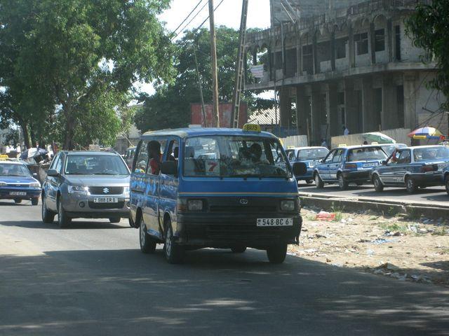 Minibus à Pointe-Noire, Congo